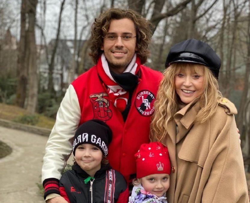 Максим Галкин с семьей