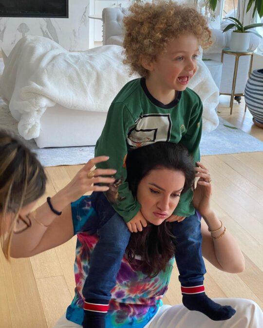 Софи Брюссо и ее с Дрейком сын Адонис