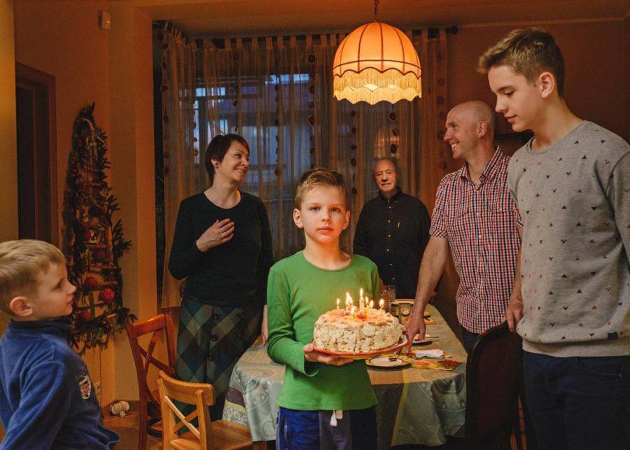 Леонид Куравлев с дочерью Екатериной, сыном Василием и тремя внуками
