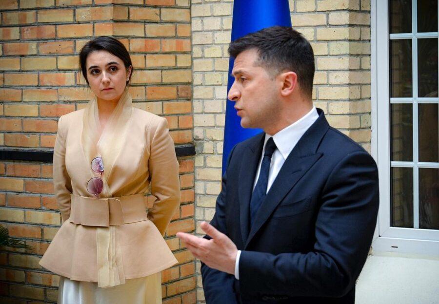 Юлия Мендель и Владимир Зеленский в Париже 16 апреля 2021 года
