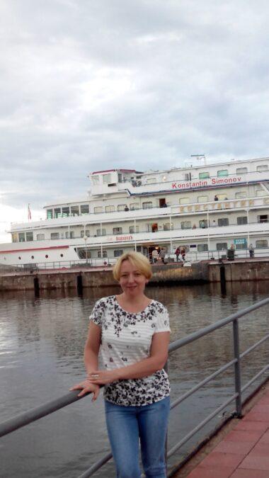 Елена Тынкасова, жена Артема Тынкасова
