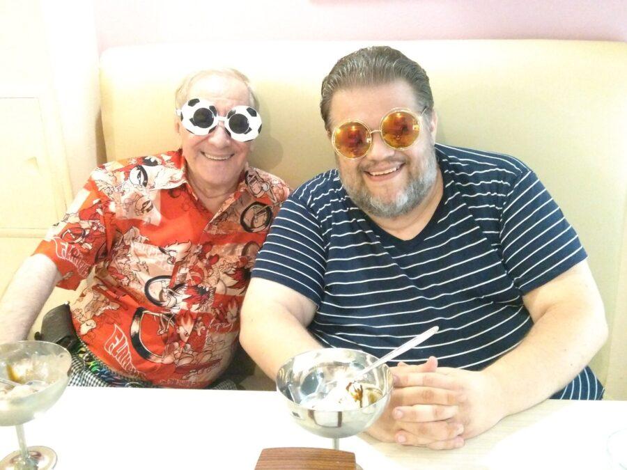 Михаил Плотник слева