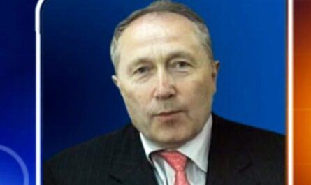 Олег Бурлаков