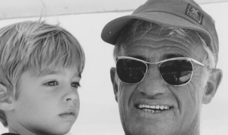 Жан-Поль Бельмондо с внуком