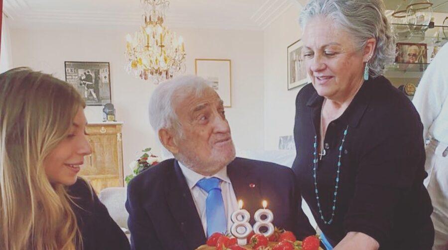 Жан-Поль Бельмондо с внучкой и дочерью Флоренс